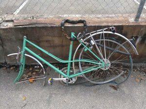 Cadre d'un vélo avec pièces manquantes